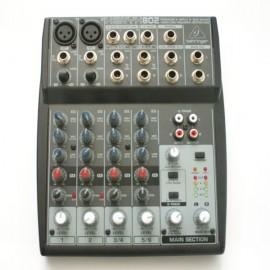 Behringer mesa mezclas XENYX802 segunda mano